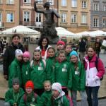 Warszawska Syrenka z łubniańskimi piłkarkami i ich mamami