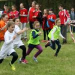 po II miejsce biegnie Paulina Buhl         kl. II a  –w kat. dziewcząt kl. I-II