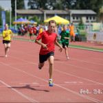 Maksymilian Nalewaja biegnie po srebrny medal